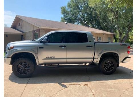 2018 Toyota Tundra CrewMax 4WD 4 inch lift Leather